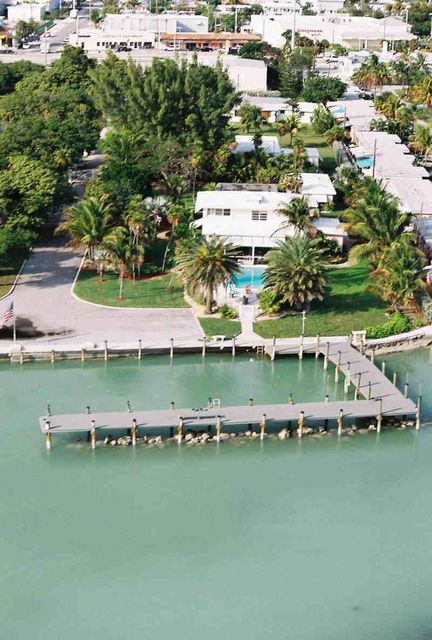 Additional photo for property listing at 770 107Th Street Ocean  Marathon, Florida 33050 Stati Uniti