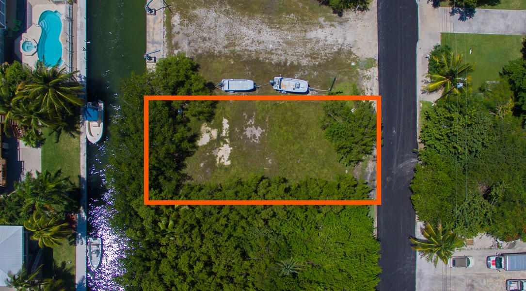 Additional photo for property listing at Lot 5 Granada Avenue Lot 5 Granada Avenue Big Pine Key, Florida 33043 Estados Unidos