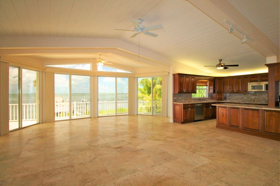 Additional photo for property listing at 25 N Bounty Lane  Key Largo, Florida 33037 États-Unis