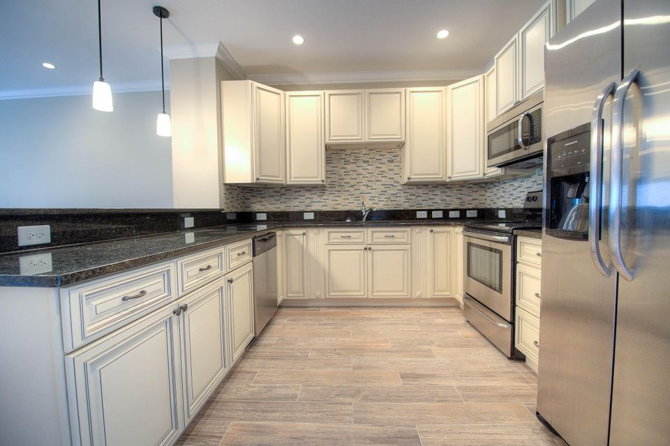 Additional photo for property listing at 1023 Simonton Street  Key West, Florida 33040 Estados Unidos