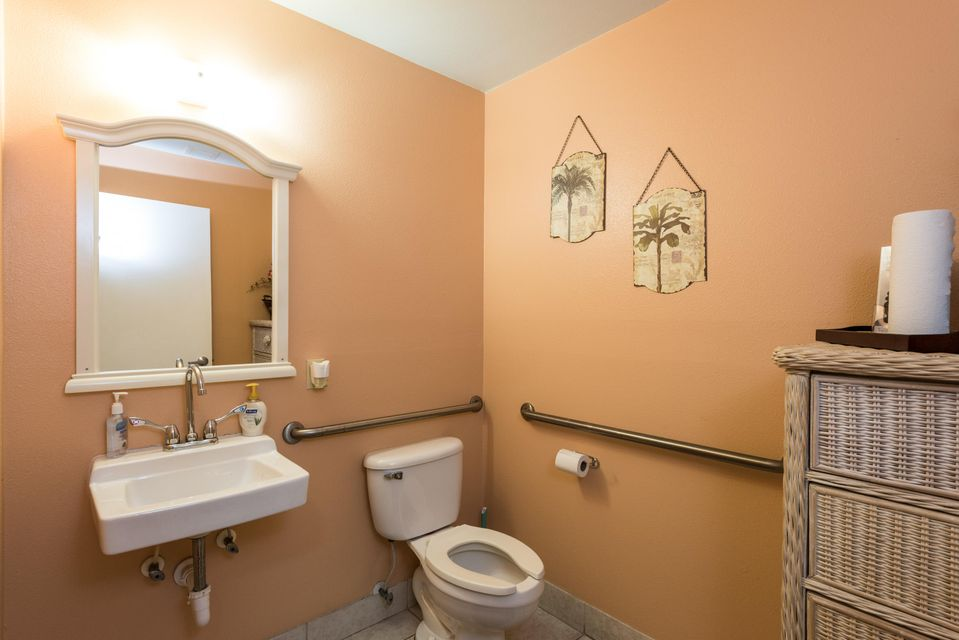 Additional photo for property listing at 1438 Kennedy Drive  Key West, Florida 33040 Estados Unidos