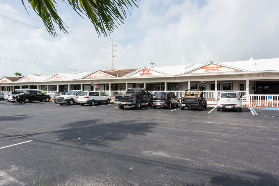 Comercial para Venda às 1438 Kennedy Drive Key West, Florida 33040 Estados Unidos