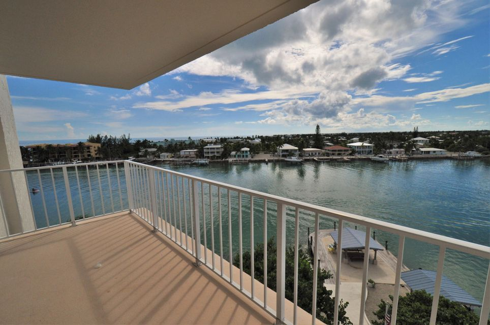 Additional photo for property listing at 2000 Coco Plum Drive  Marathon, Florida 33050 United States