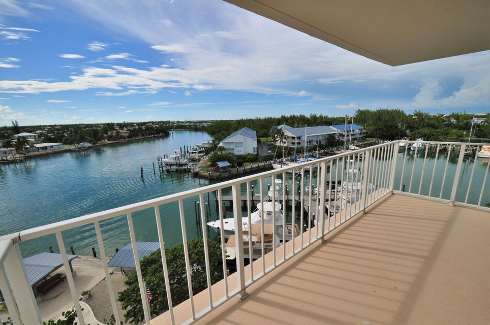 Additional photo for property listing at 2000 Coco Plum Drive  Marathon, Florida 33050 Amerika Birleşik Devletleri