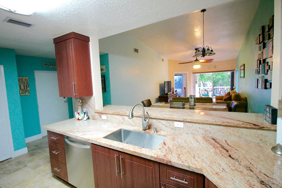 Additional photo for property listing at 9828 Mariners Avenue  Key Largo, Florida 33037 Hoa Kỳ
