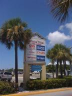 Commercial pour l à louer à 2812 N Roosevelt Boulevard Key West, Florida 33040 États-Unis