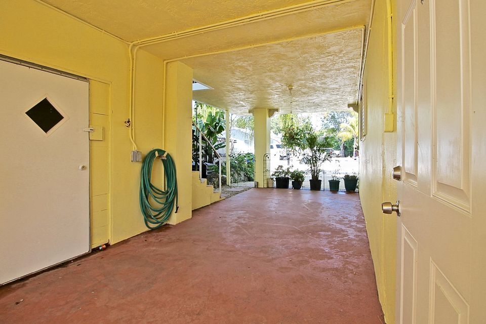 Additional photo for property listing at 298 S Coconut Palm Boulevard  Islamorada, Florida 33070 United States