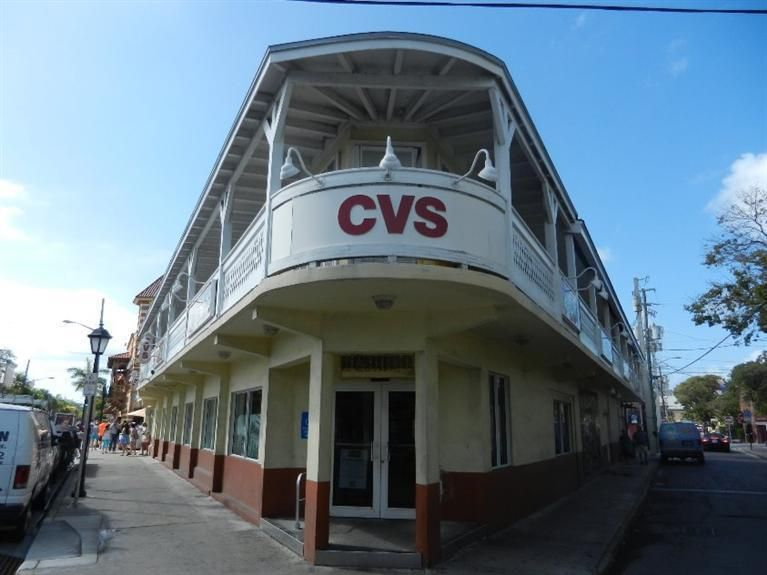 Additional photo for property listing at 12 Duval Street 12 Duval Street Key West, Florida 33040 États-Unis