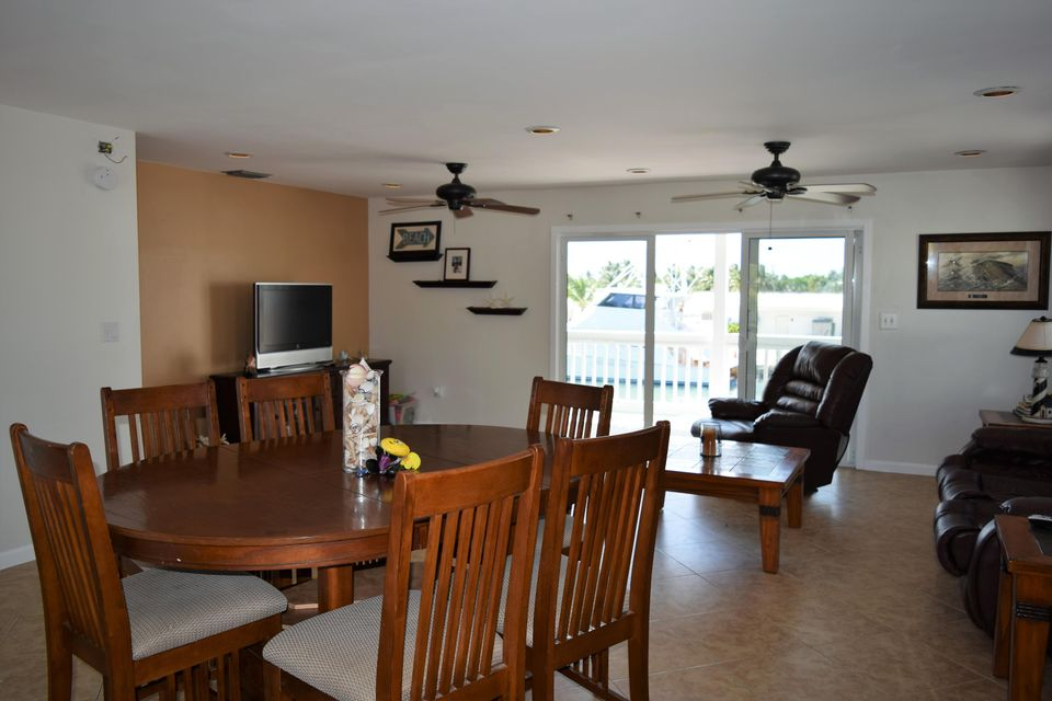 Additional photo for property listing at 511 5th Street  Key Colony, Florida 33051 Estados Unidos