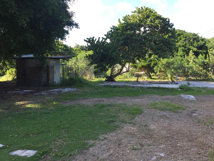 Additional photo for property listing at 30423 Oleander Boulevard  Big Pine Key, Florida 33043 Estados Unidos