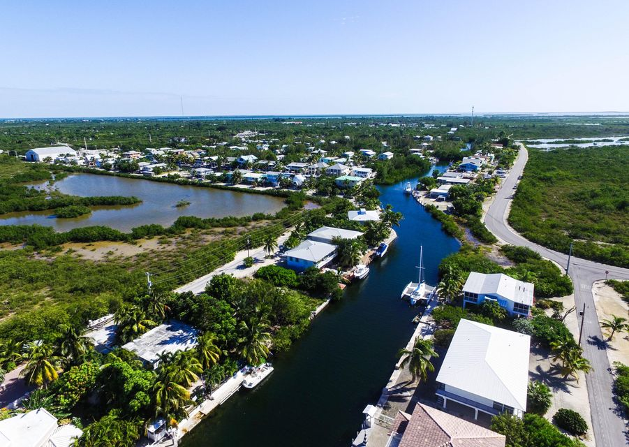 Additional photo for property listing at 29809 Newfound Boulevard  Big Pine Key, Florida 33043 États-Unis