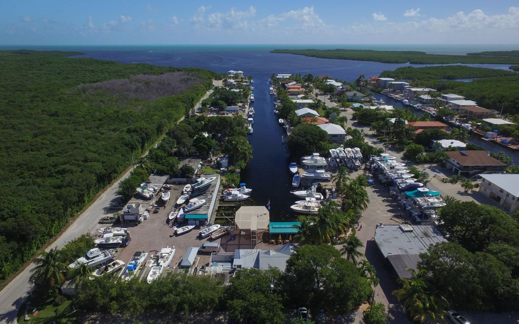 Additional photo for property listing at 21 Garden Cove Drive  Key Largo, Florida 33037 Estados Unidos