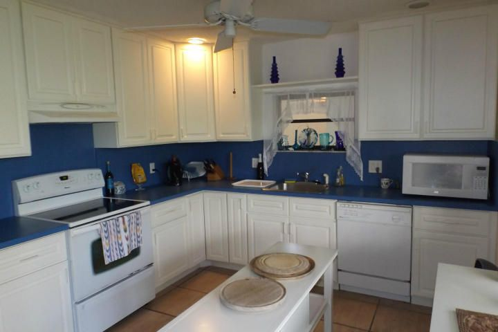 Additional photo for property listing at 2000 Manor Lane  Marathon, Florida 33050 Estados Unidos