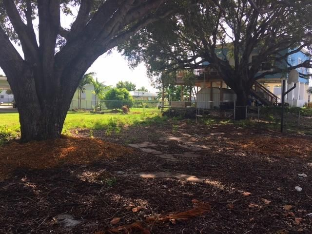 Additional photo for property listing at 650 64th Street Ocean  Marathon, Florida 33050 Usa