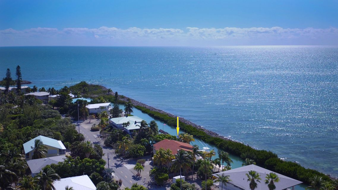 Additional photo for property listing at 224 W Seaview Circle  Marathon, Florida 33050 États-Unis