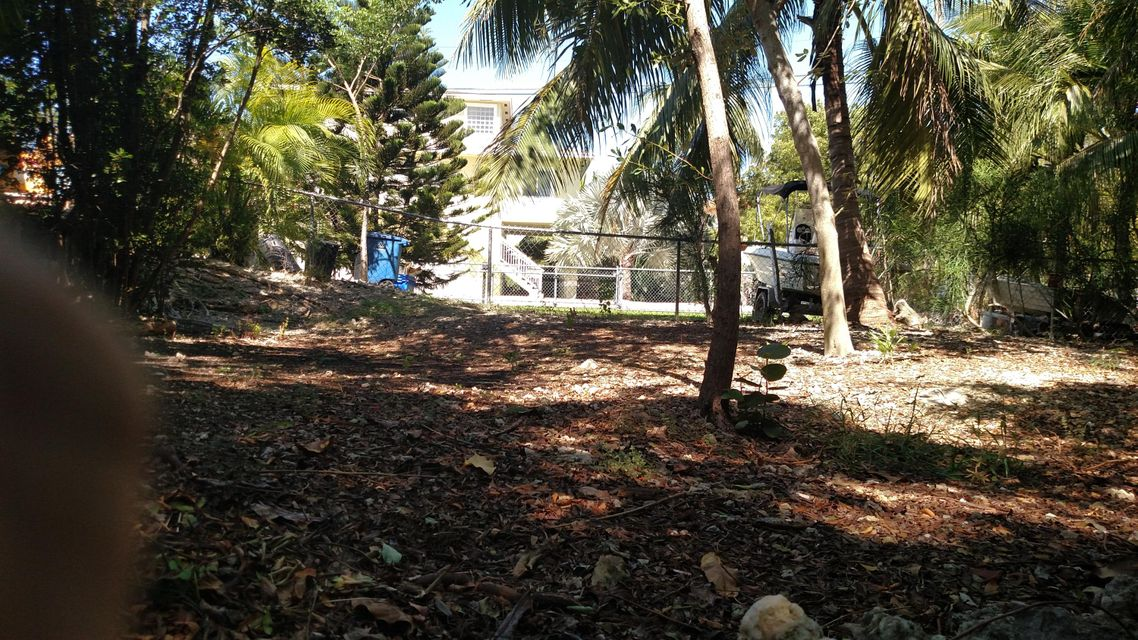 Additional photo for property listing at 10 Lake Shore Drive  Key Largo, Φλοριντα 33037 Ηνωμενεσ Πολιτειεσ