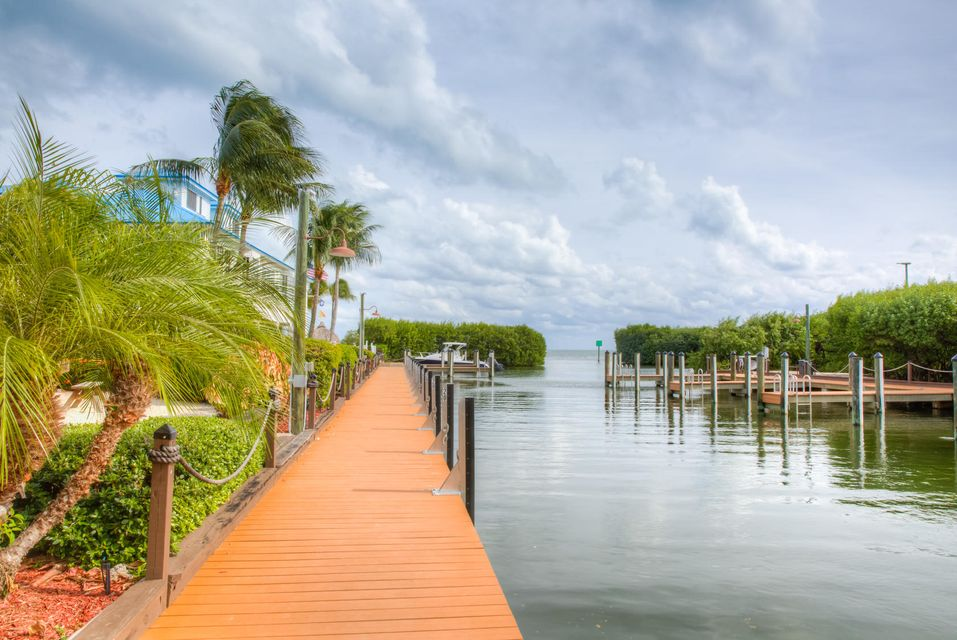 Additional photo for property listing at 500 Burton Drive  Key Largo, Florida 33070 Stati Uniti