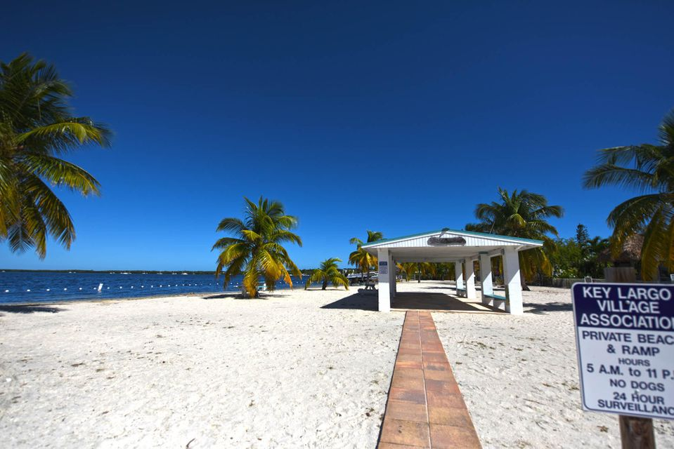 Additional photo for property listing at 136 Buttonwood Avenue  Key Largo, Florida 33037 Usa