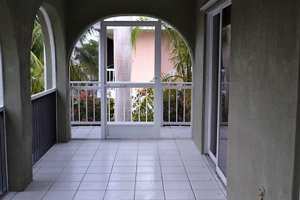 Additional photo for property listing at 28551 Maracaibo Road  夏地礁岛, 佛罗里达州 33042 美国
