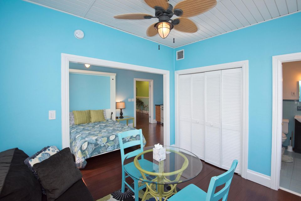 Additional photo for property listing at 824-826 DUVAL Street 824-826 DUVAL Street Key West, Florida 33040 Verenigde Staten
