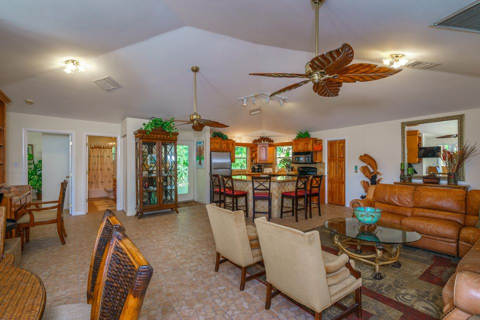 Additional photo for property listing at 926 W 75Th Street  Marathon, Florida 33050 Estados Unidos