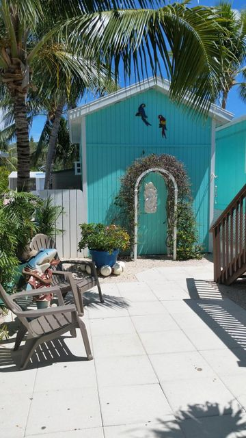 Additional photo for property listing at 1673 Bayview Drive  Summerland Key, Florida 33042 Stati Uniti