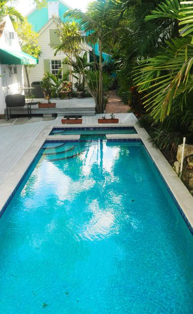 Additional photo for property listing at 700 Thomas Street  Key West, Florida 33040 Hoa Kỳ