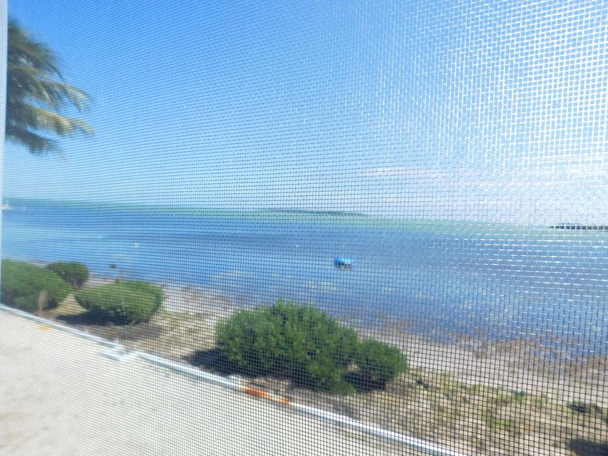 Additional photo for property listing at 823 S Jade Drive  Key Largo, Florida 33037 Vereinigte Staaten