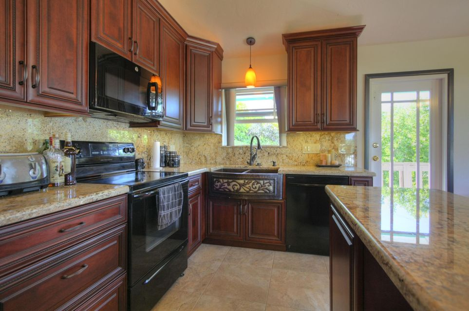 Additional photo for property listing at 23021 Snapper Lane  Summerland Key, Florida 33042 Estados Unidos