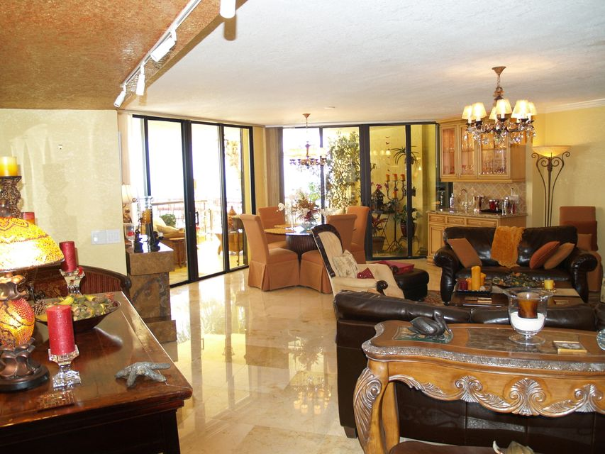 Additional photo for property listing at 101 E Ocean Drive 101 E Ocean Drive Key Colony, Florida 33051 United States