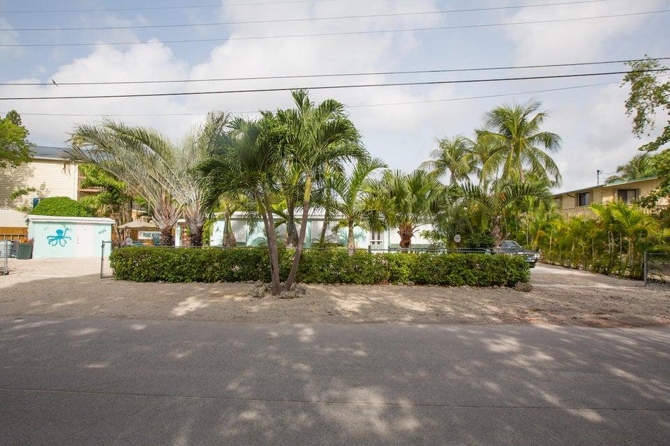 Moradia para Arrendamento às 776 Bostwick Drive Key Largo, Florida 33037 Estados Unidos