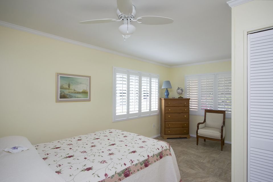 Additional photo for property listing at 30447 Oleander Boulevard  Big Pine Key, Florida 33043 Hoa Kỳ