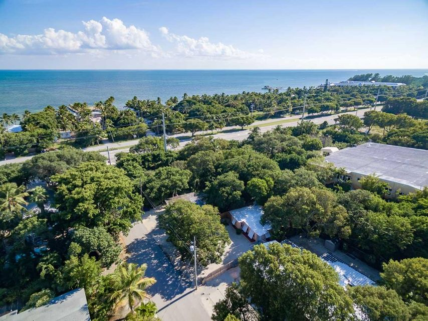 Additional photo for property listing at 112 S Hammock Road  Islamorada, 佛羅里達州 33036 美國