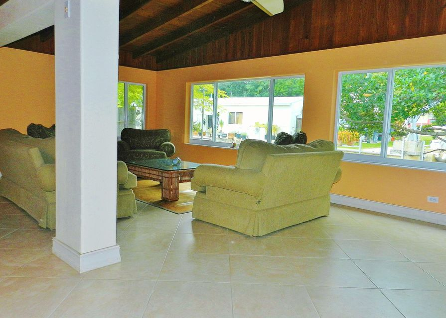 Additional photo for property listing at 104 Ann Bonny Drive  Key Largo, Florida 33037 Hoa Kỳ