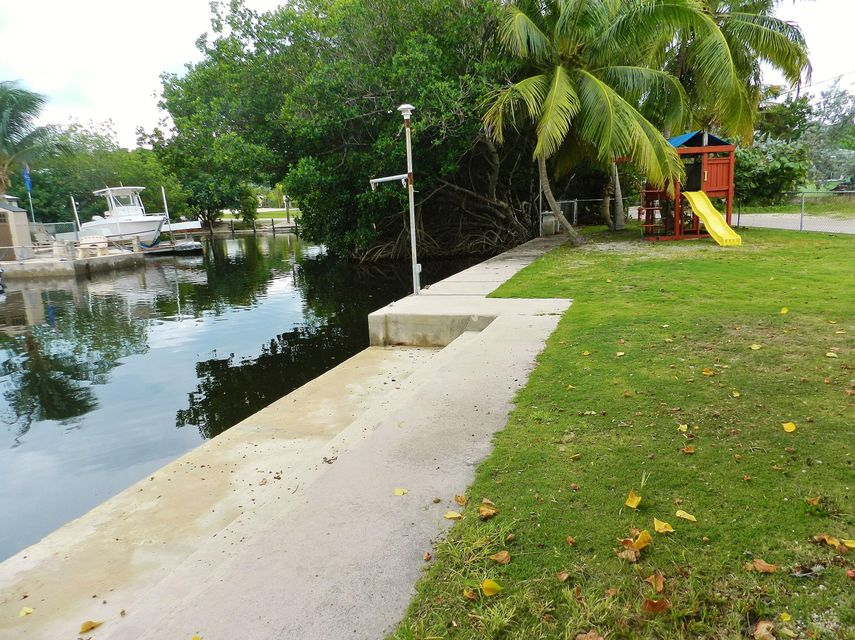Additional photo for property listing at 104 Ann Bonny Drive  Key Largo, Florida 33037 États-Unis
