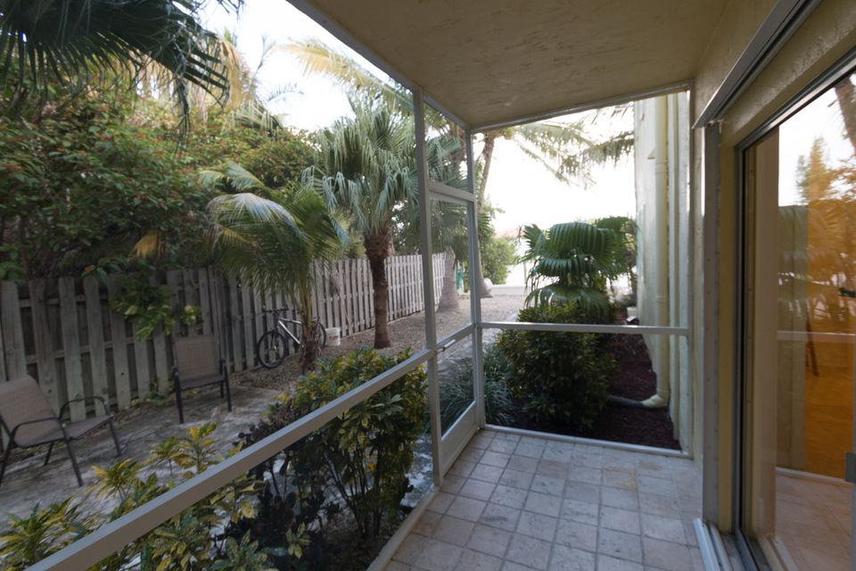 Additional photo for property listing at 109 Avenue D  Marathon, Florida 33050 Verenigde Staten