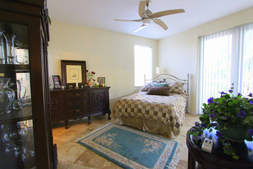 Additional photo for property listing at 4 Corrine Place  Key Largo, Florida 33037 Estados Unidos