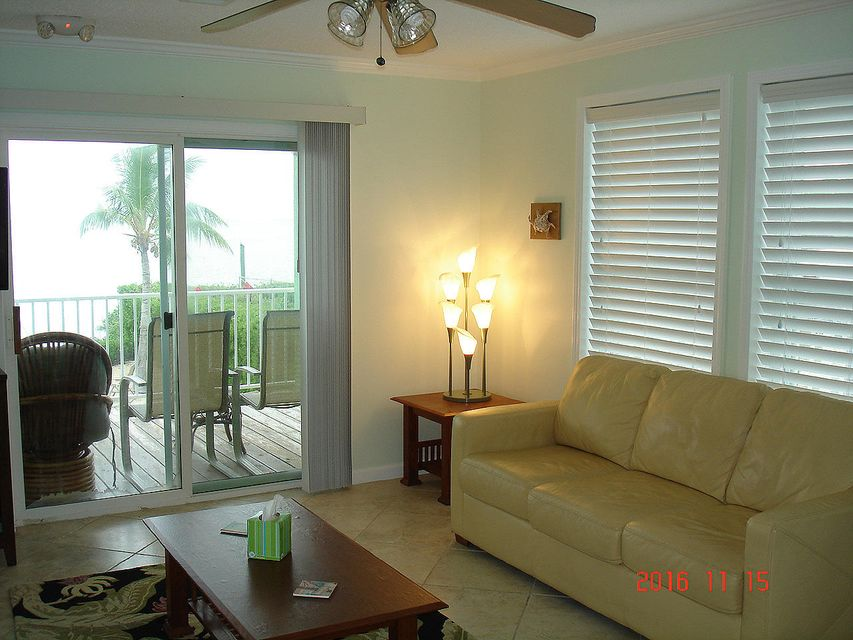Additional photo for property listing at 914 84Th Street Ocean  Marathon, Florida 33050 Verenigde Staten