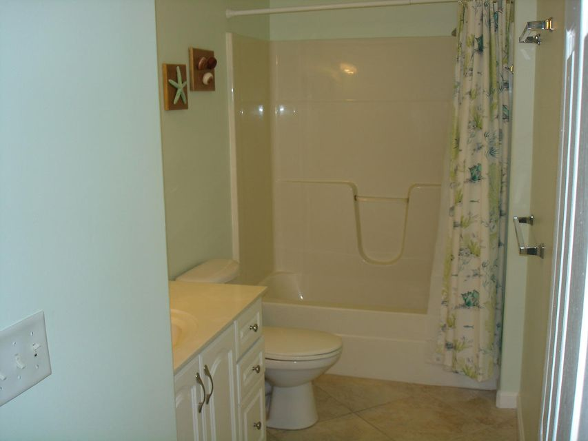 Additional photo for property listing at 914 84Th Street Ocean  Marathon, Florida 33050 États-Unis