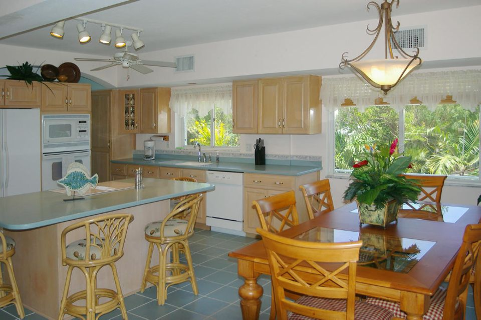 Additional photo for property listing at 530 Sawyer Drive  Summerland Key, Florida 33042 Stati Uniti