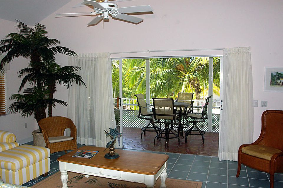 Additional photo for property listing at 530 Sawyer Drive  Summerland Key, Florida 33042 États-Unis