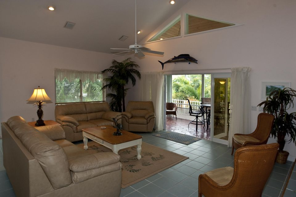 Additional photo for property listing at 530 Sawyer Drive  Summerland Key, Florida 33042 Estados Unidos