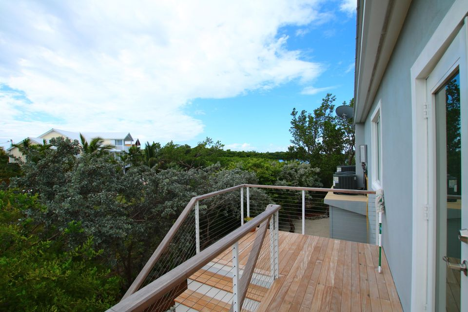 Additional photo for property listing at 110 Pirates Cove Drive  Marathon, Florida 33050 Usa
