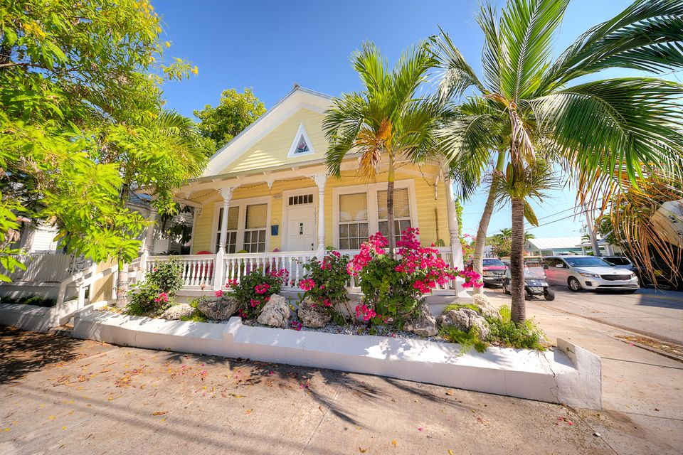 Additional photo for property listing at 1025 Varela Street 1025 Varela Street Key West, Florida 33040 États-Unis