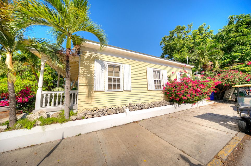 Additional photo for property listing at 1025 Varela Street  Key West, Florida 33040 Estados Unidos