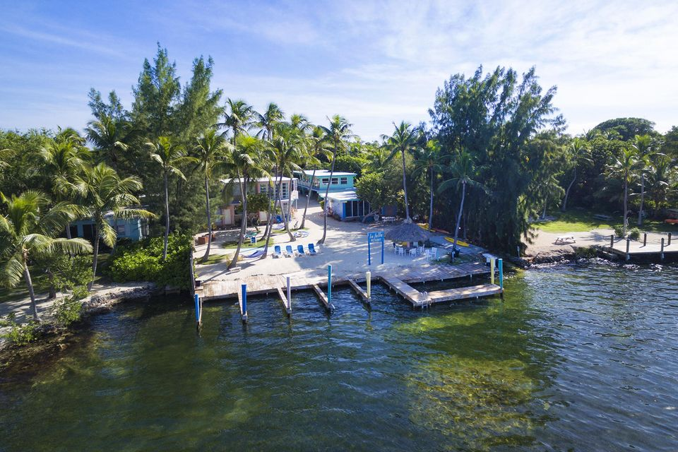 Commercial for Sale at 82216 Overseas Highway Islamorada, Florida 33036 United States