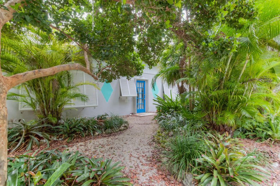 Additional photo for property listing at 121 S Hammock Road  Islamorada, Florida 33036 États-Unis