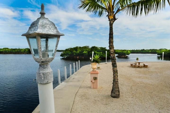 Additional photo for property listing at 98751 Overseas Highway  Key Largo, Флорида 33037 Соединенные Штаты