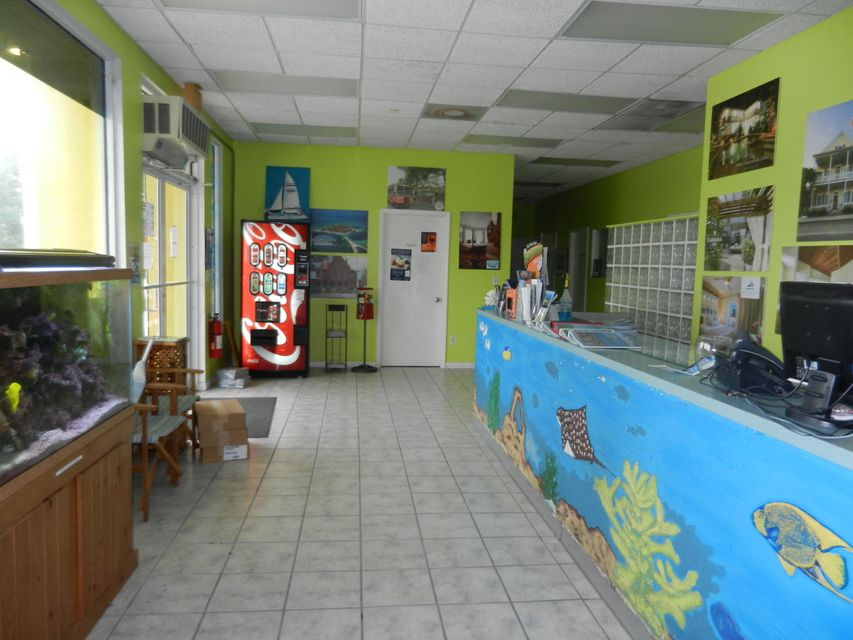 Additional photo for property listing at 501 Overseas Highway 501 Overseas Highway Big Coppitt, Florida 33040 Usa