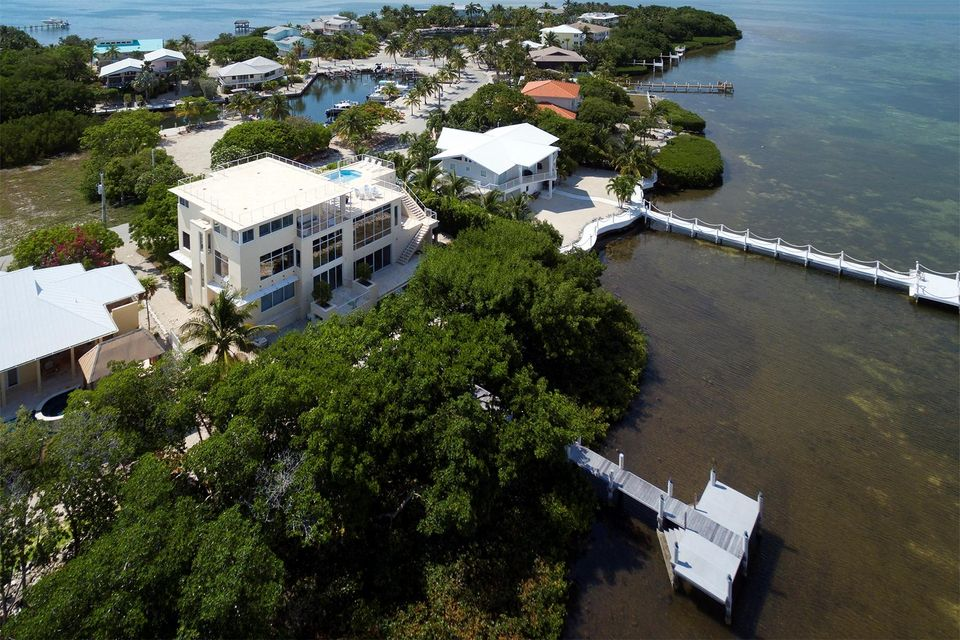Additional photo for property listing at 341 Stirrup Key Boulevard  Marathon, Флорида 33050 Соединенные Штаты